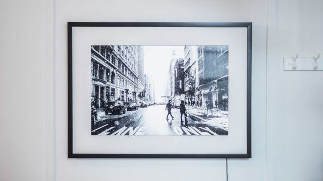 Review: The Memento Smart Frame is the giant 4K photo frame you never knew you wanted