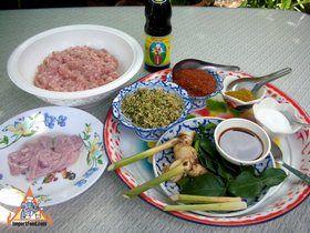 Northern Thai Sausage: Step-by-Step