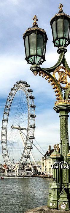 ❇Téa Tosh❇ London Eye from Westminster Bridge