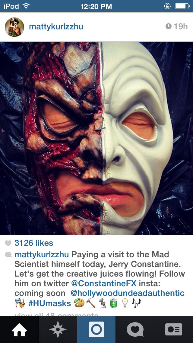 Da Kurlzz is working on a new mask for his band. :)