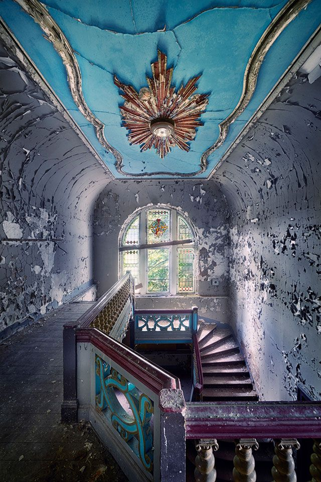 This image signifies a time period with its peeling paint and period specific architecture. The photo also uses color. The ceiling painted blue illicits a biological response to color, blue means sky. This is true cross-culturally. The sky is the same color everywhere. The gold color in the middle of the blue ceiling could also resemble the sun. Source: Pinterest