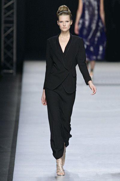 Yves Saint Laurent at Paris Fashion Week Spring 2009 - Runway Photos