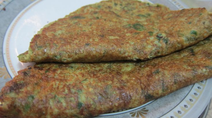 Sprouted moong and Methi Chilla