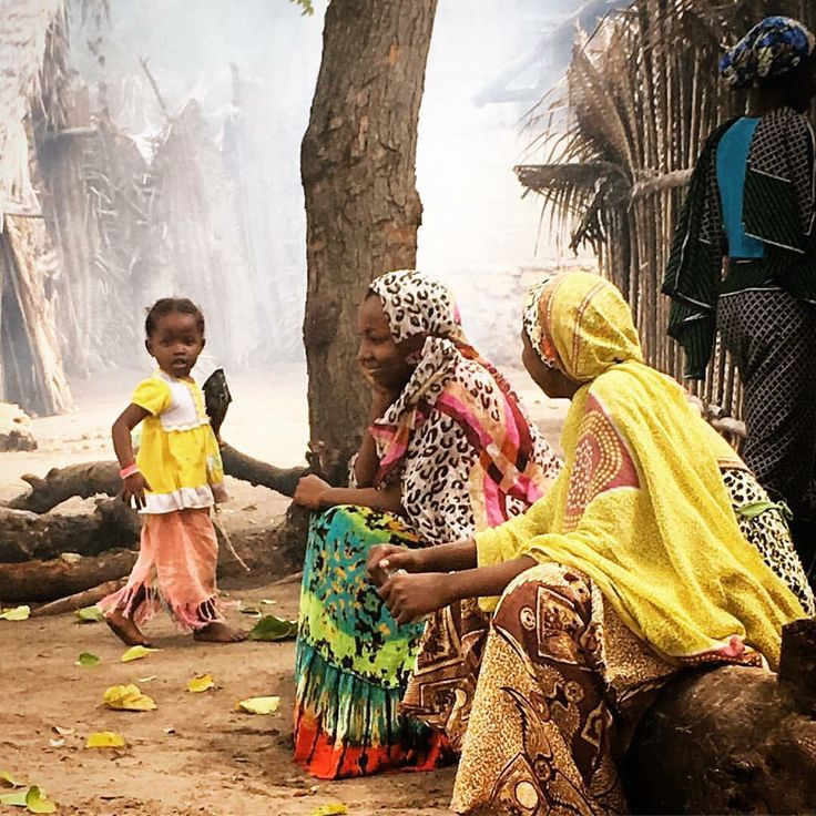 Local gossips, Ushongo village, Tanzania