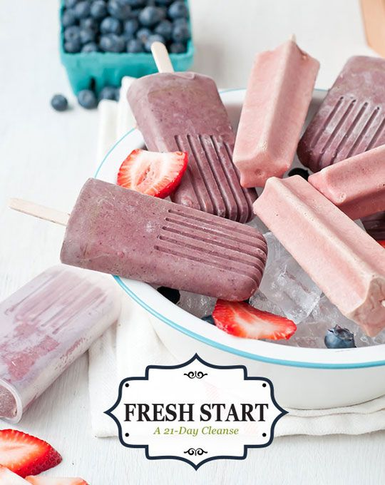 Simple Berry Popsicles : all you need are 4 ingredients!