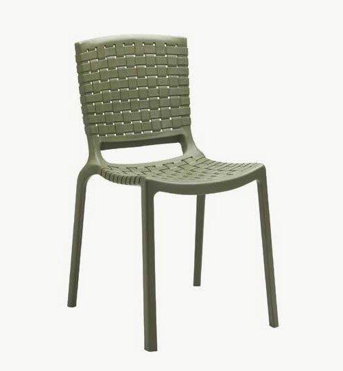 Stol Tatami är en serie stolar som finns med eller utan armstöd, passar lika bra ute som inomhus.  b x dj x h 500mm x 580mm x 775mm  Vikt 4kg, Stapelbar 8 st Sitthöjd 440mm