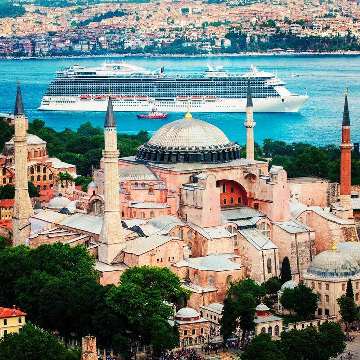 """New Princess cruises' #regalprincess leaving from #istanbul behind the Santa-Sophia mosquee!"""