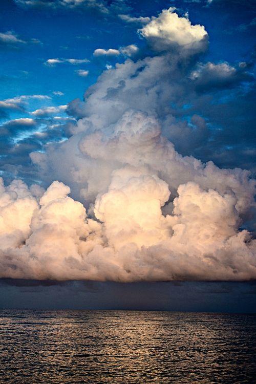 Explosions in the sky, off Darwin, Australia