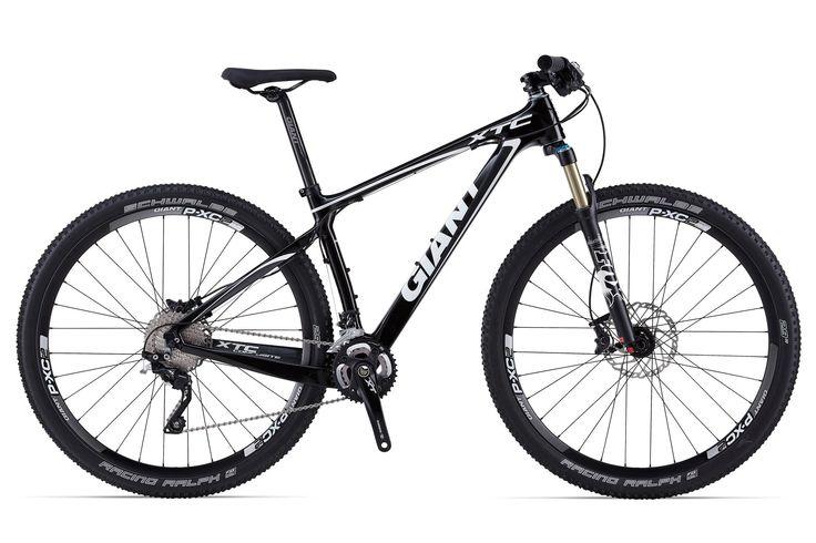 """GIANT XTC COMPOSITE 29"""" 1 2014 Bicicleta rígida de alta calidad, con cuadro de carbono,grupo de transmisión Shimano SLX con cambio trasero XT Shadow, Horquilla Fox Evolution CTD de 100 mm. ¡Diseñada para los usuarios de XC! PRECIO 1999€ + INFO http://www.bikingpoint.es/bicicleta-giant-xtc-composite-29er-1.html"""