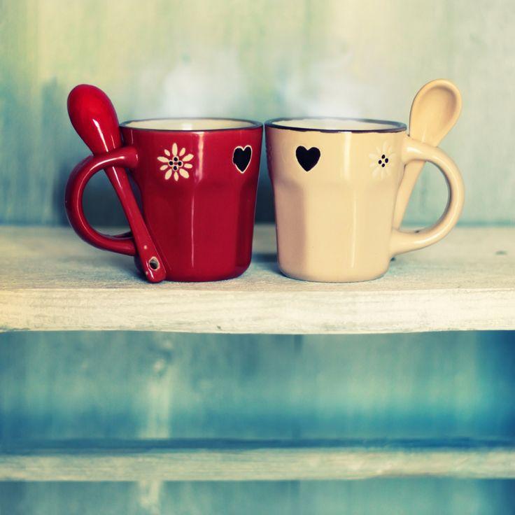 Κρύο, καιρός για δύο... ζεστές κούπες καφέ ή τσάι!