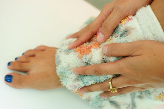 30 ways & tips to get rid of stinky feet for good!!!
