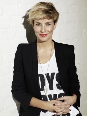 Miriam Jacks: Love this hairstyle very much.