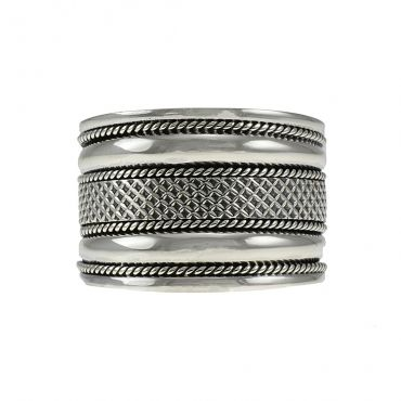 Beautiful sterling silver hand made ring, item number: STR011
