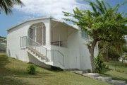 Gosier: Maison les pieds dans l'eau - Location Bungalow #Guadeloupe #Gosier