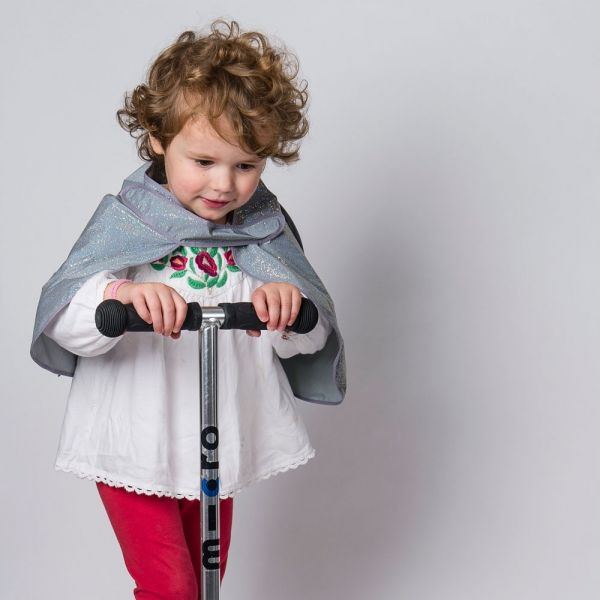 reflective angel wings cape for kids  for safer school run, cycling or scooting in the darker hours- fun and safer for kids by https://henrichs.co.uk  photo credit by our retail partner: cyclechic.co.uk