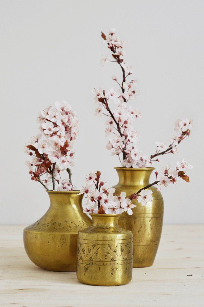 5 tips for keeping cut blossom branches fresh (floristry tips from Decorator's Notebook blog)