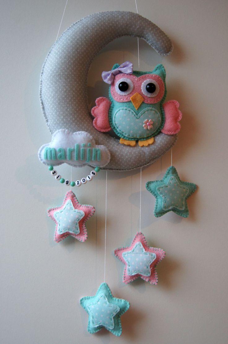 Handmade by JoHo - Maan met uil en sterren van vilt en stof - owl felt