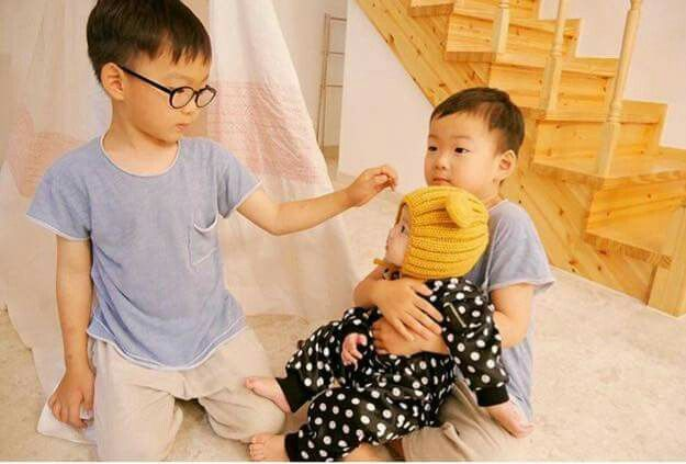 Daehan Minguk with a baby 1