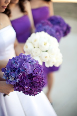 But opposite, bridesmaids with white & bride with purple
