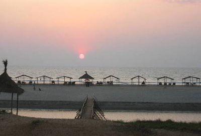 Vi bor på det hyggelige og enkle Dunes Resort på Mandrem Beach i Nordlige Goa