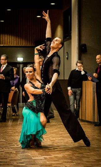 Ballroom Dancing Classes London | Wedding Lessons | American Dance | Social Dancing - http://www.ballroomcourses.co.uk/