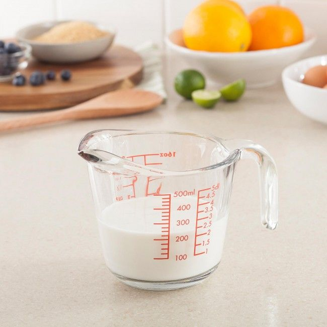 Make sure your measurements are perfect every time with a Kitchen Classics Glass Measuring Jug. This oven, freezer, microwave and dishwasher safe measuring cup is the perfect multipurpose measuring tool for your kitchen.