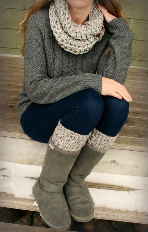 Christmas list: UGGS. I should also invest in legwarmers (white, brown, and grey).