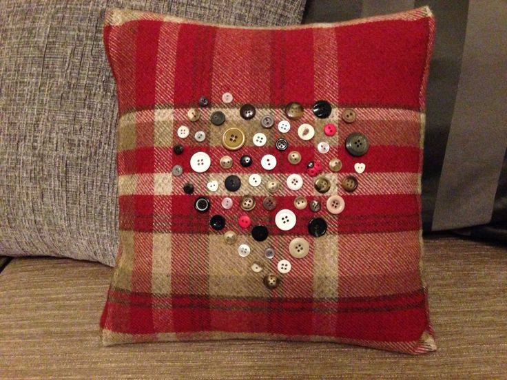 Tartan heart cushion.