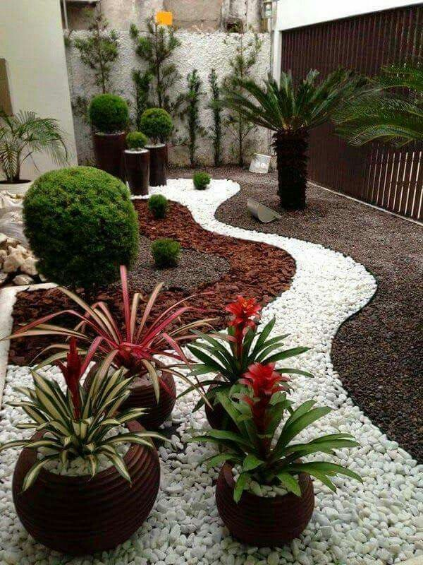 example of white path with brown mulch