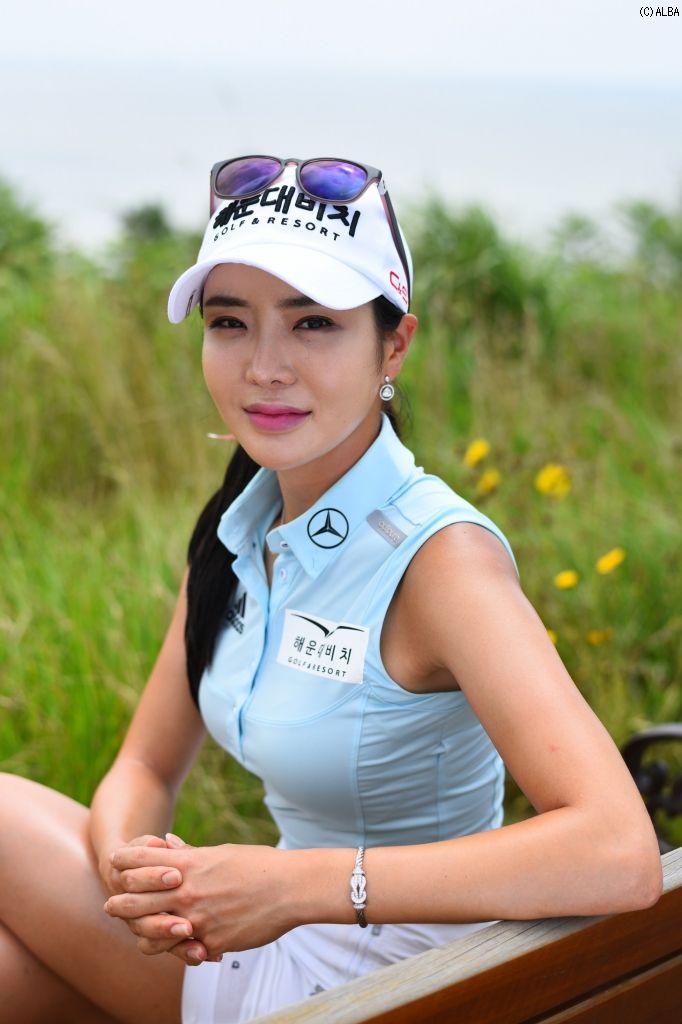 アン・シネ   女子プロ写真館   スマイル編(NO.15489)   ゴルフのポータルサイトALBA.Net