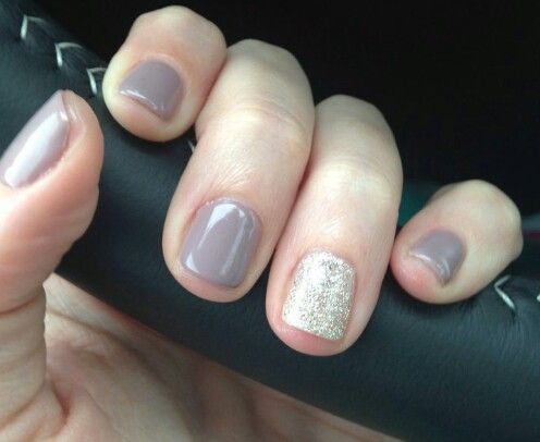 Neutrals are best! Love the squared short nails!
