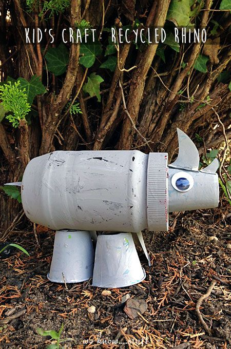 Cute kids crafts that are from recycled materials make rainy fall days a little bit more fun. We need to make this Rhino...fun!