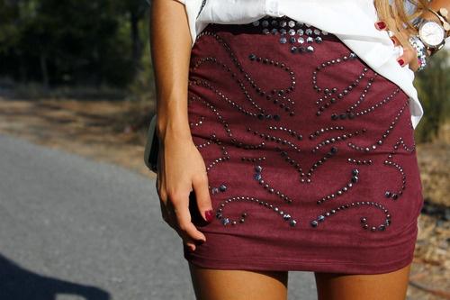 A venit toamna, cu alaiul ei de ţinte MUST HAVE.    Le găsiţi aplicate fin pe tricouri şi cămăşi, la TinaR, de azi: http://www.tinar.ro/cauta-produse.html?cauta=tinte=0=0-    În curând, pe multe alte piese cool ;)