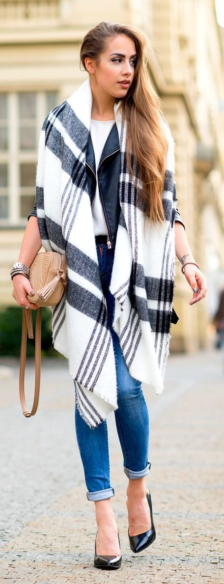 Black And White Plaid Oversize Scarf with Denim Skinnies Jeans and Black Nude Pumps