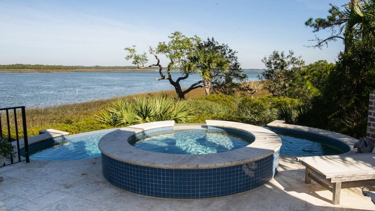 With an average daily temperature of 65 degrees, Charlestonians enjoy outdoor spaces all year long! From pools to patios we have something for every season!