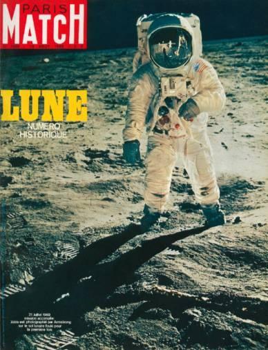 Paris Match n° 1058 du 16 août 1969. Un numéro historique sur la conquête de la Lune, entièrement numérisé et disponible gratuitement dans l'appli iPad de Match. http://itunes.apple.com/fr/app/paris-match/id364271975?mt=8