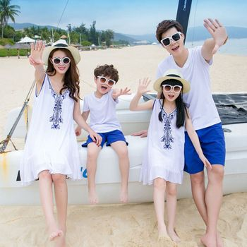 999591f8c2 Family Matching Outfits Mom Dad Daughter Son Family Look Summer Flowers  Embroidery NEW Beach Dresses Baby Girls Boys Clothes Set