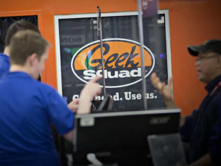 New documents reveal FBI paid Geek Squad repair staff as informants  ||  A freedom of information request revealed that the FBI used the Best Buy division's repair staff to flag illegal content. http://www.zdnet.com/article/new-documents-reveal-fbi-paid-geek-squad-repair-staff-as-informants/?utm_campaign=crowdfire&utm_content=crowdfire&utm_medium=social&utm_source=pinterest