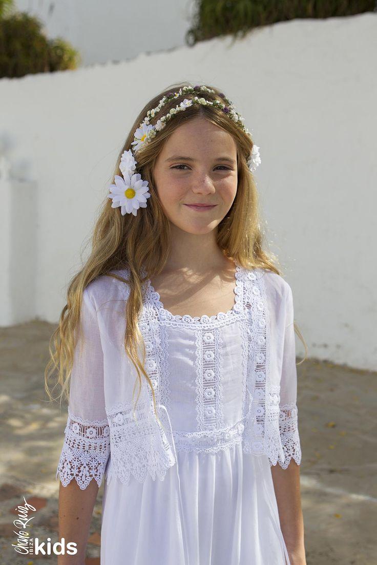 Vestido ibicenco para niñas de arras de Charo Ruiz Kids #flowergirl #pajes #tendenciasdebodas