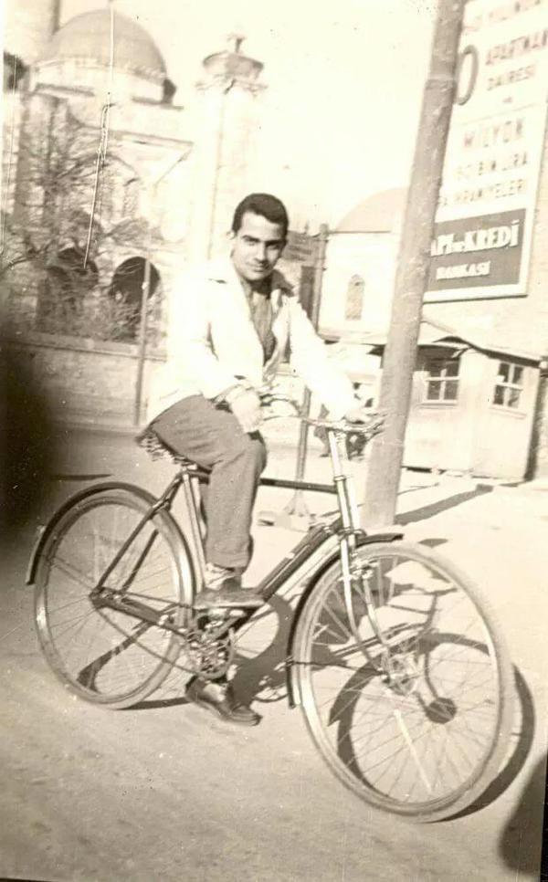 Bir bisiklet gezgini: Zeki Alasya #Fatih #istanbul #istanlook