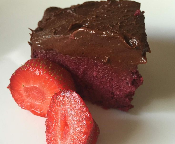 Paleo Raw Chocolate and Beetroot Mudcake
