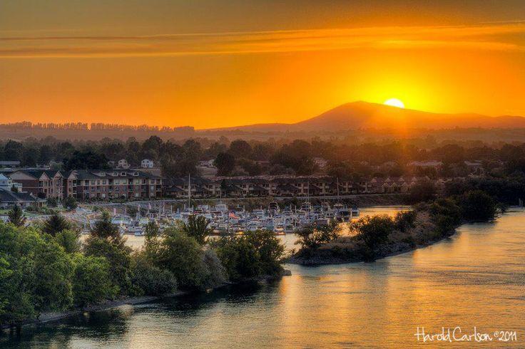 Tri Cities Washington >> Make your Destination Tri-Cities, Washington and enjoy a Sunset at Columbia Point in Richland ...