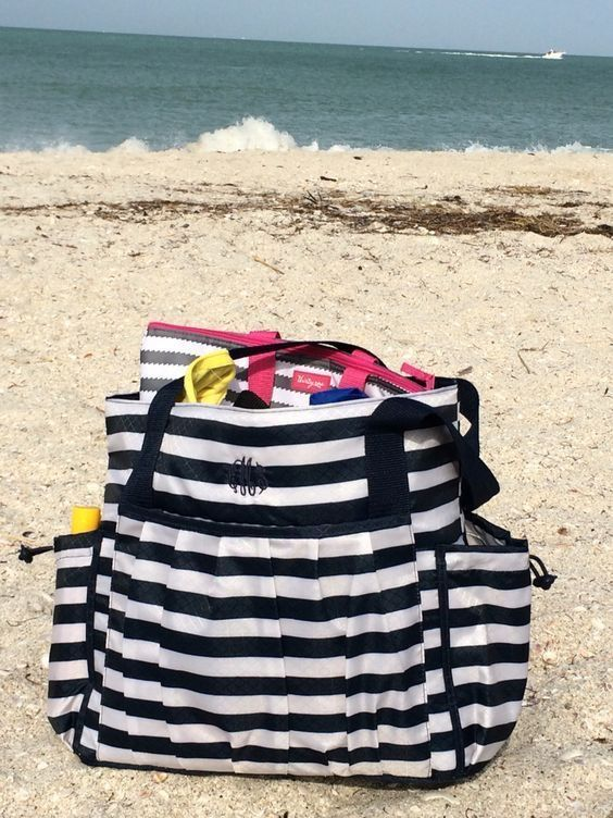 The best beach bag! New Day Tote by Thirty-One! www.thebagdealer.com