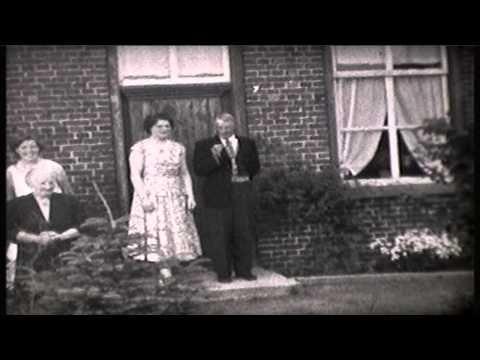 Helenaveen 1958 Familie van de Bovenkamp - YouTube