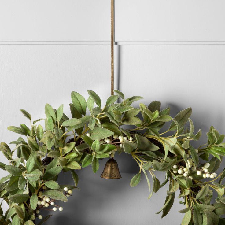 best 25 wreath hanger ideas on pinterest wreaths spring door wreaths and easter wreaths. Black Bedroom Furniture Sets. Home Design Ideas