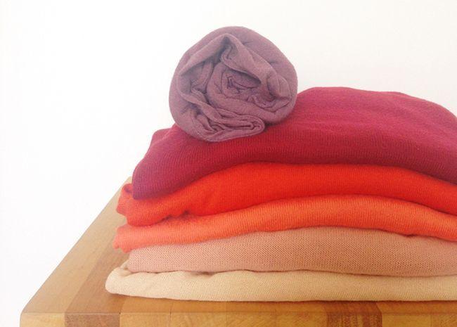 quantidades de partes de cima e de baixo no guarda-roupa, coordenação de cores, consultoria de estilo