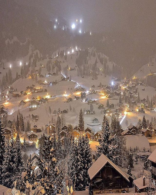 Calm night in Grindelwald, Switzerland. | Photo by @sennarelax