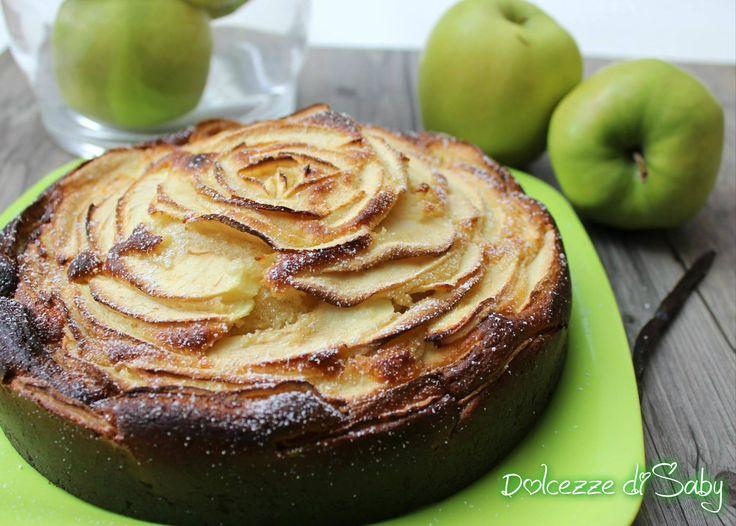 La torta di mele senza uova e senza burro é una golosa e leggera alternativa alla classica torta di mele. Per chi non digerisce le uova e perfetta ma anche