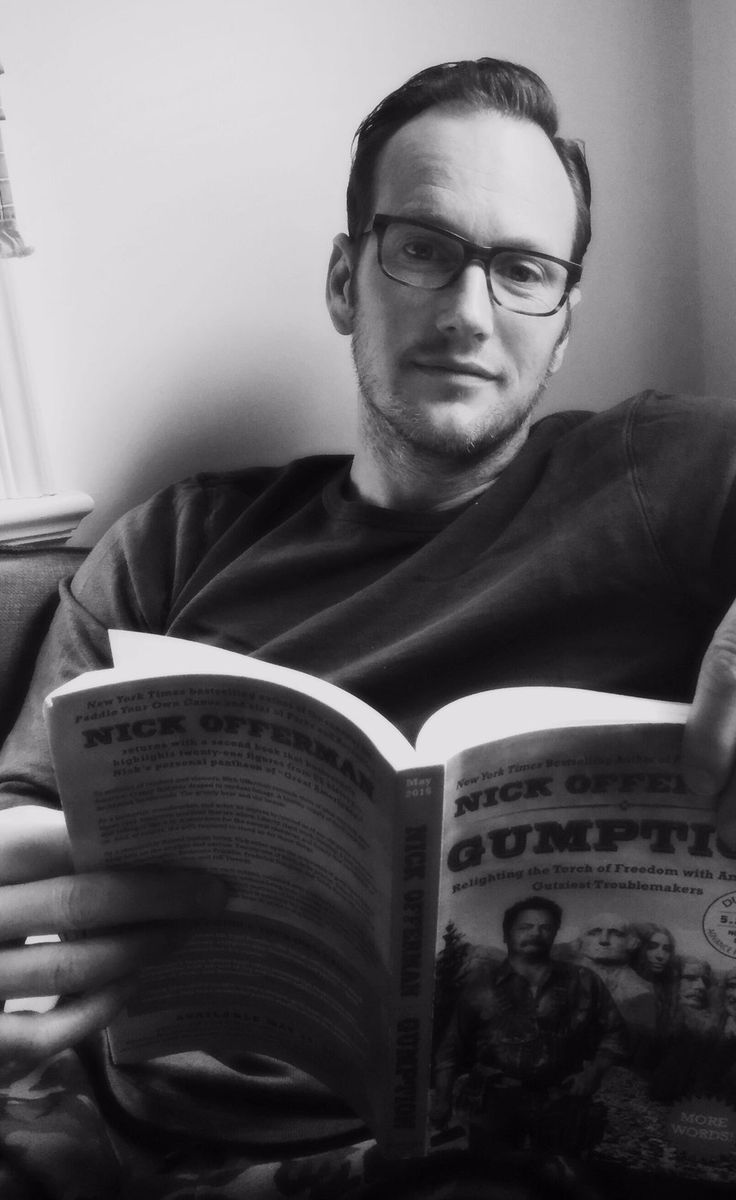 "Dagmara Dominczyk on Twitter: ""Pic of @patrickwilson73 reading a book is hot"