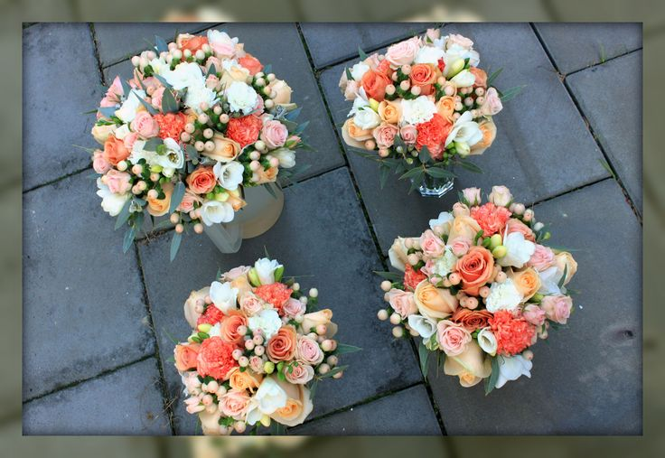 http://floralicious.wordpress.com/ Bride and Maids Bouquets